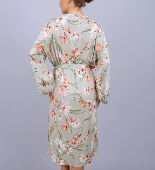 Intimate by Change Viola Robe other Lovely Upscaled Florals